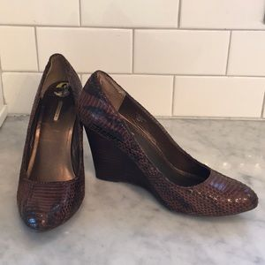 NWOTS Max Studio Mecca Wedge Snakeskin Brown